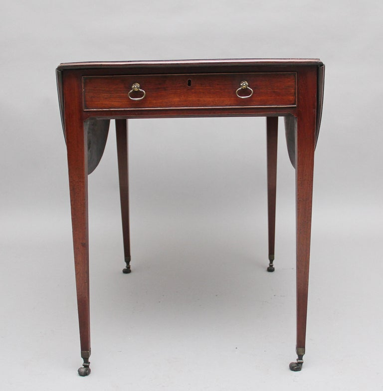 Georgian Early 19th Century Mahogany Pembroke Table For Sale