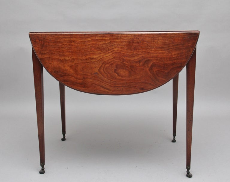 British Early 19th Century Mahogany Pembroke Table For Sale