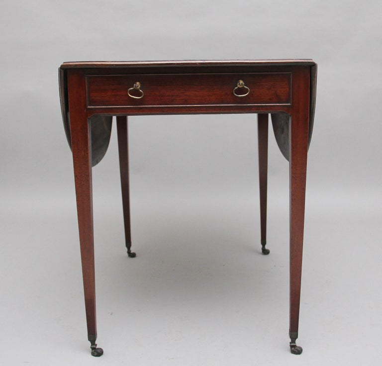 Early 19th Century Mahogany Pembroke Table In Good Condition For Sale In Martlesham, GB
