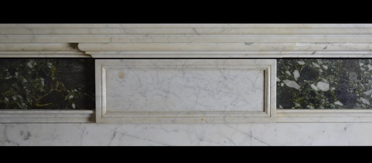 English Early 19th Century Mantelpiece in Carrara and Verde Marble For Sale