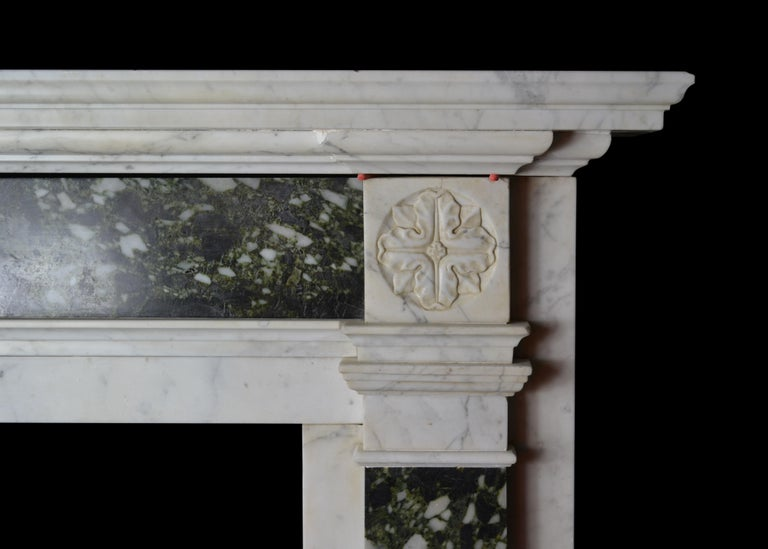 Early 19th Century Mantelpiece in Carrara and Verde Marble In Good Condition For Sale In New York, NY