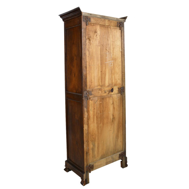 Early 19th Century Narrow French Bonnetiere or Cupboard with Carved Birds For Sale 5