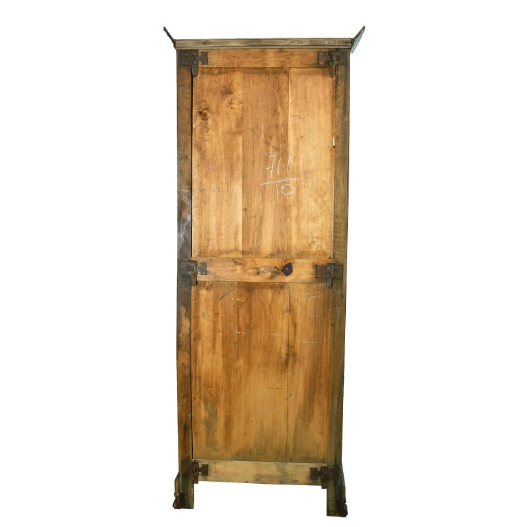 Early 19th Century Narrow French Bonnetiere or Cupboard with Carved Birds For Sale 6