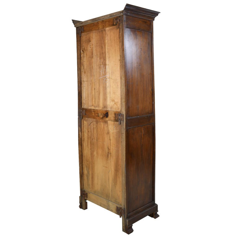 Early 19th Century Narrow French Bonnetiere or Cupboard with Carved Birds For Sale 7