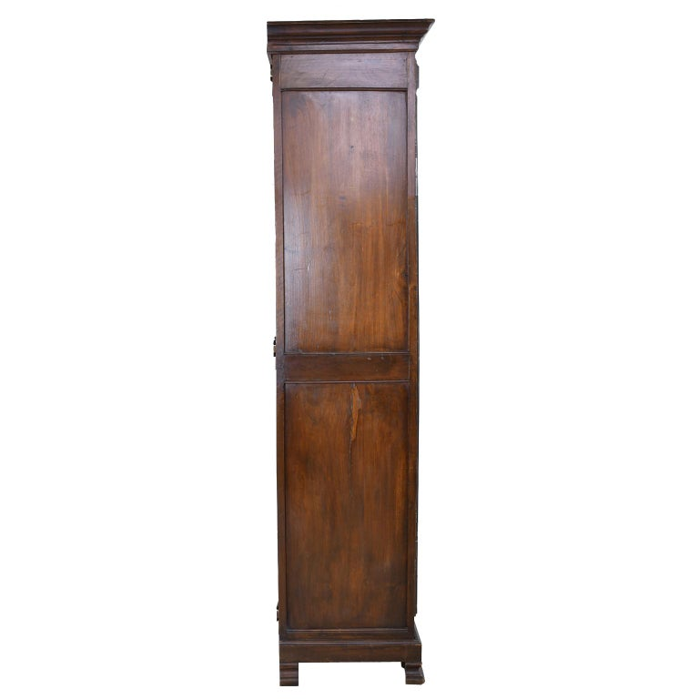 Early 19th Century Narrow French Bonnetiere or Cupboard with Carved Birds For Sale 8
