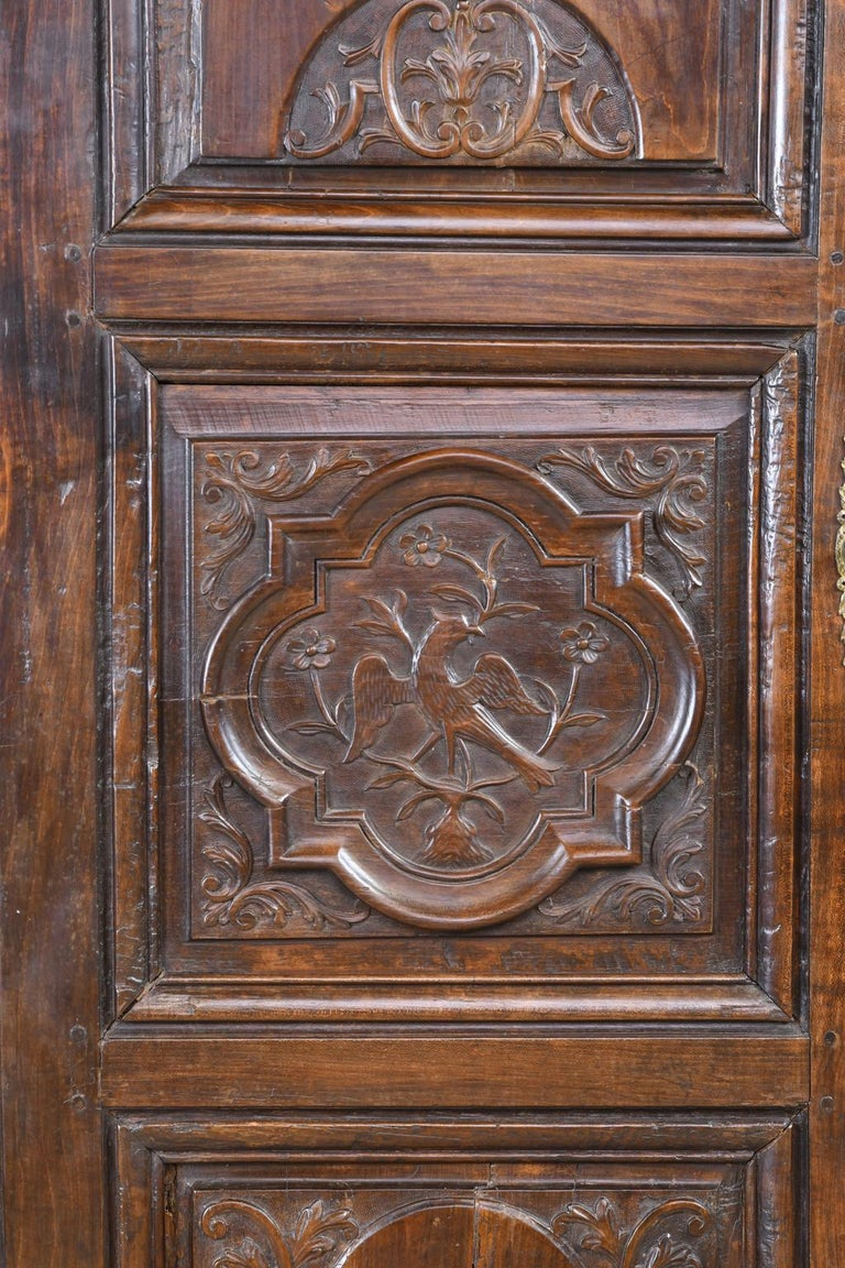 Early 19th Century Narrow French Bonnetiere or Cupboard with Carved Birds In Good Condition For Sale In Miami, FL