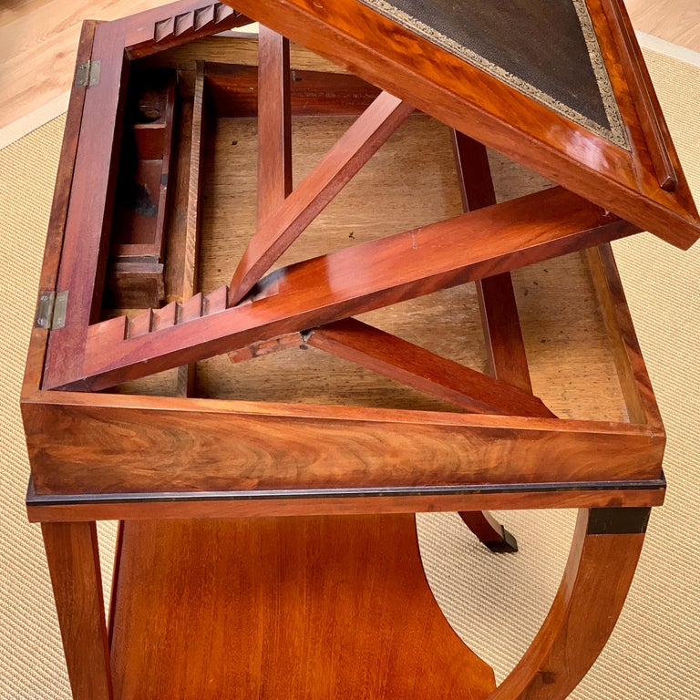 Early 19th Century Neoclassical Metamorphic Drafting-cum-Reading Mahogany Table In Good Condition For Sale In Worpswede / Bremen, DE