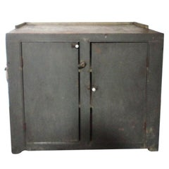Early 19th Century Original Grey over Red Pennsylvania Hutch or Cupboard