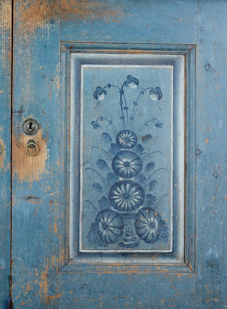 Early 19th Century Original Painted Tuna Region Swedish Cabinet For Sale 6