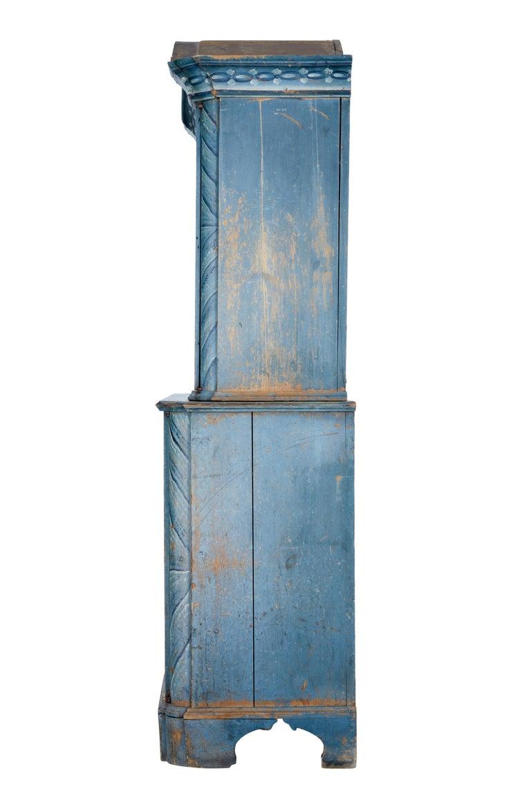 Pine Early 19th Century Original Painted Tuna Region Swedish Cabinet For Sale