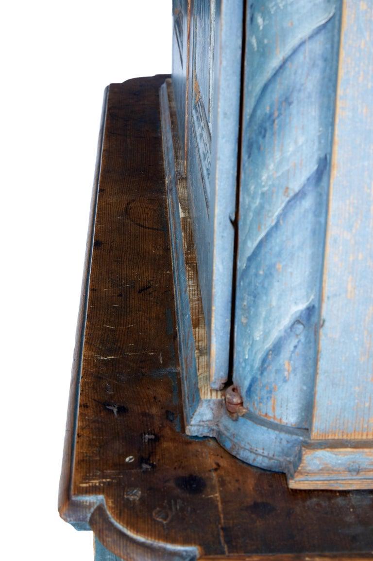 Early 19th Century Original Painted Tuna Region Swedish Cabinet For Sale 1