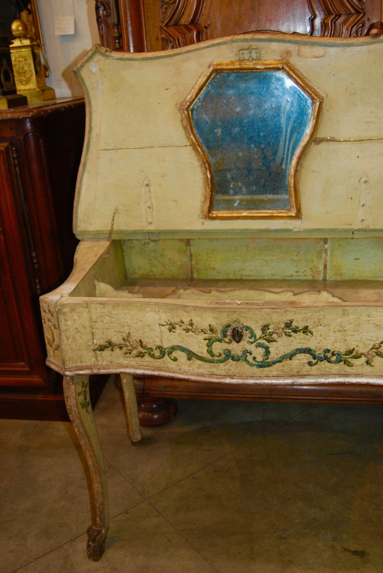 Wood Early 19th Century Painted Dressing Table For Sale