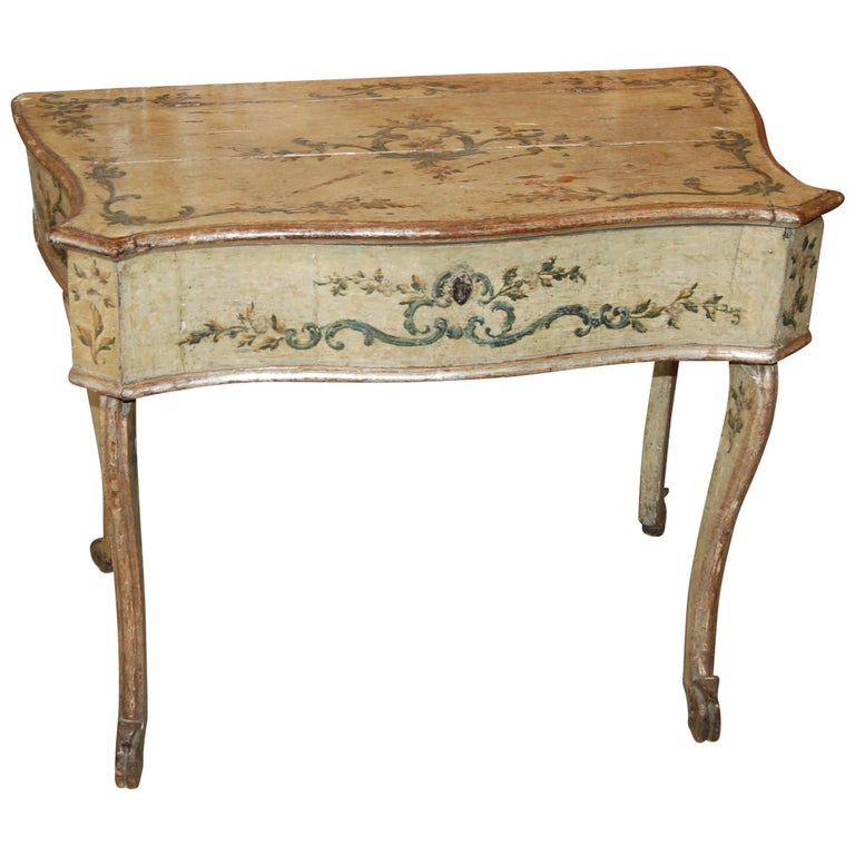 Early 19th Century Painted Dressing Table For Sale