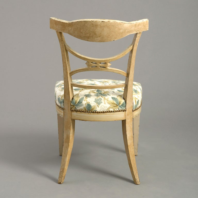 Hand-Carved Early 19th Century Painted Gustavian Side Chair For Sale