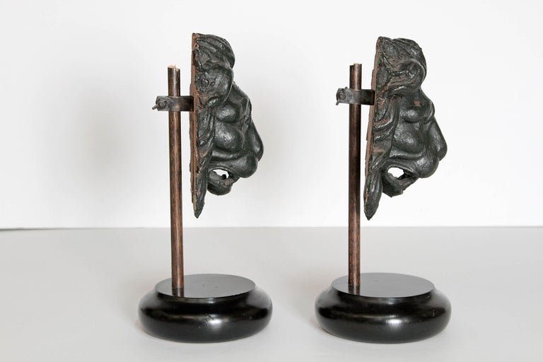 Neoclassical Early 19th Century Pair of Carved Wood Lion Heads For Sale