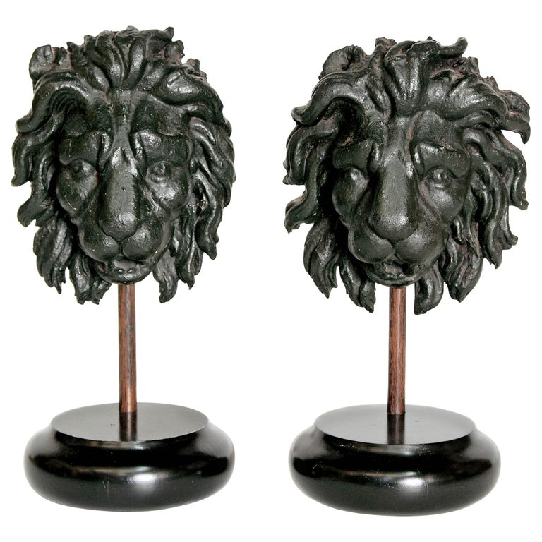 Early 19th Century Pair of Carved Wood Lion Heads For Sale