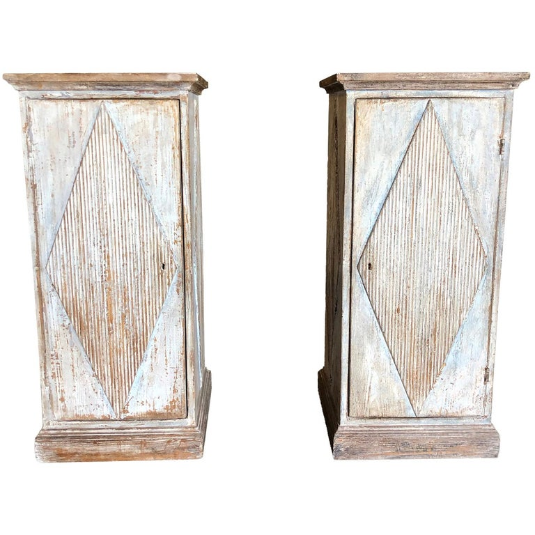 Early 19th Century Pair of Gustavian Pedestals For Sale