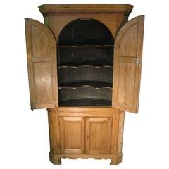 Early 19th Century Pine Arch Top 4-Door Corner Cupboard
