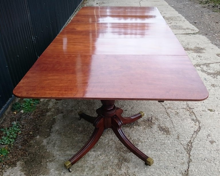 English Early 19th Century Regency Mahogany Antique Dining Table For Sale