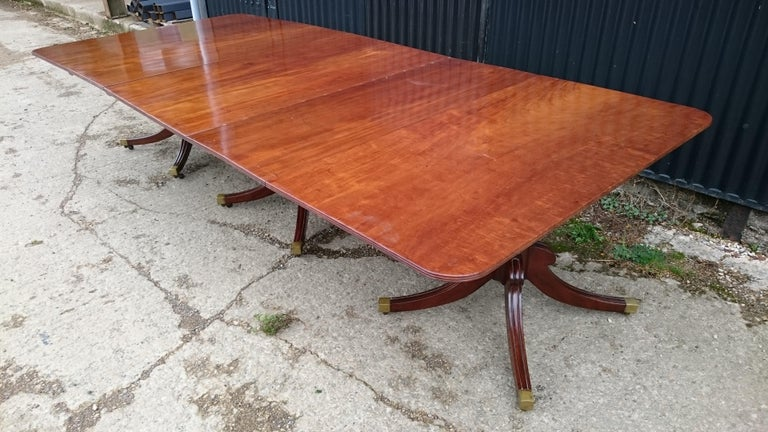 Early 19th Century Regency Mahogany Antique Dining Table For Sale 1