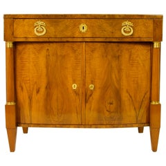 Early 19th Century South German or Austrian Biedermeier Walnut Cabinet Dresser