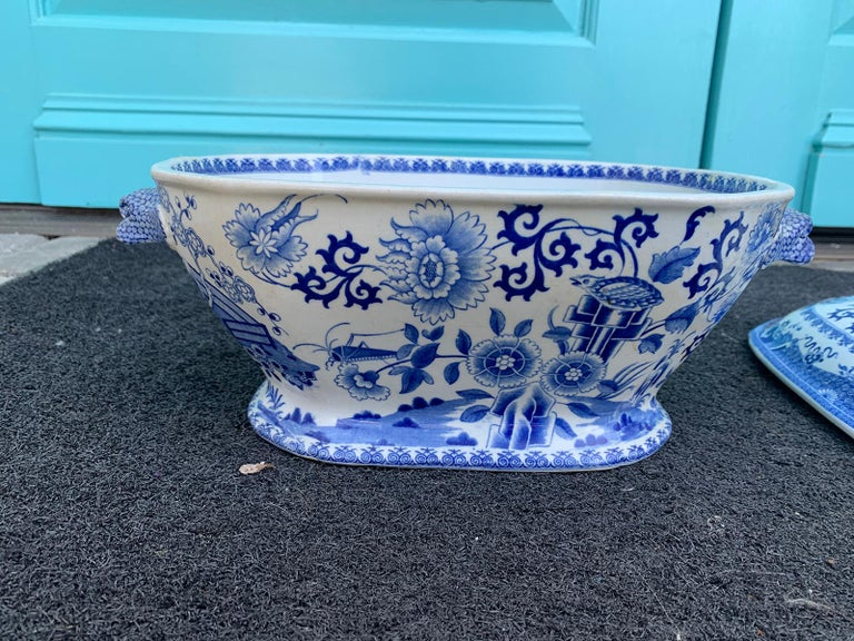 Early 19th Century Spode Blue and White Tureen For Sale 7