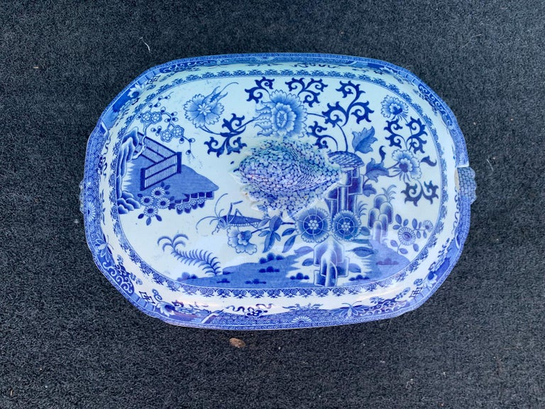 Early 19th Century Spode Blue and White Tureen For Sale 2