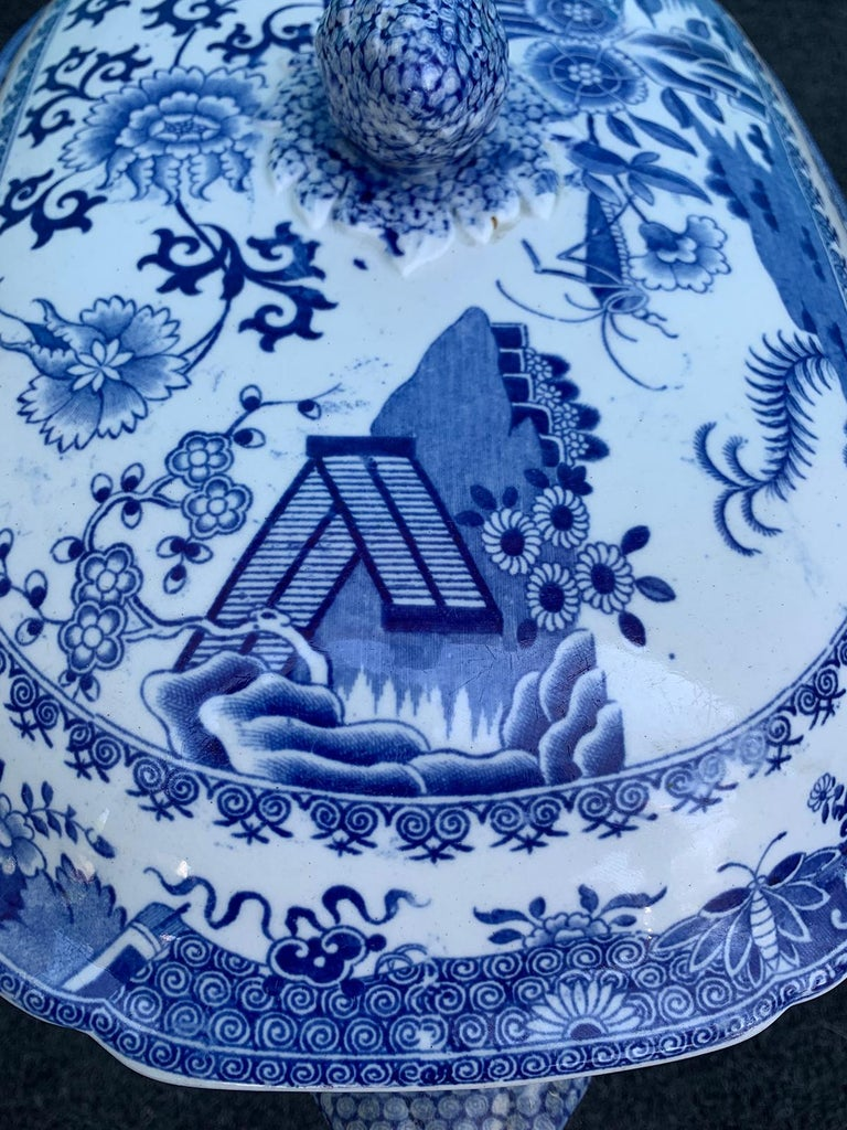 Early 19th Century Spode Blue and White Tureen For Sale 4