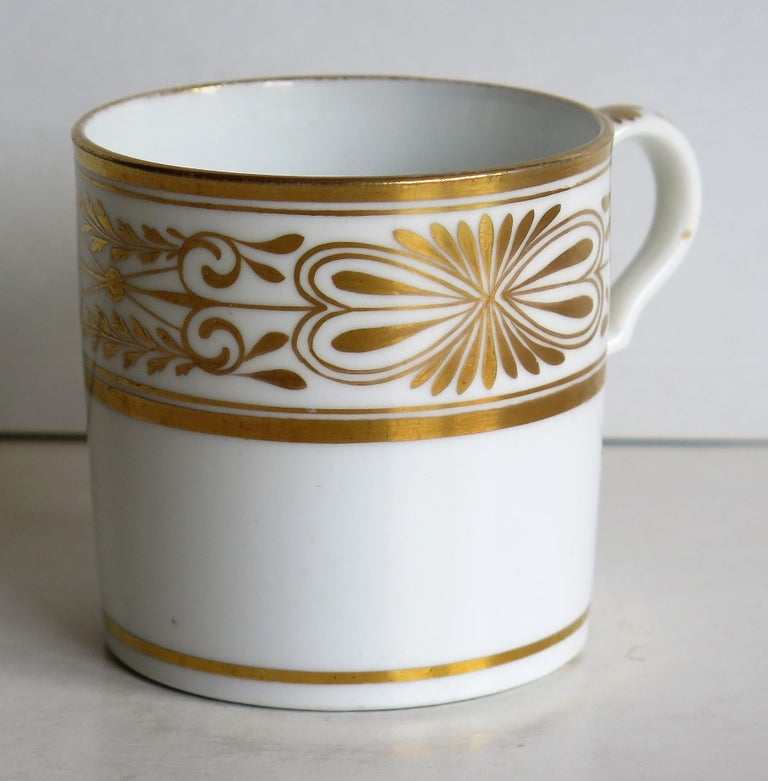 English Early 19th Century Spode Porcelain Coffee Can Hand Gilded Pattern 1099, Ca 1810 For Sale