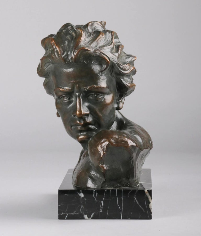 Early 20th Century Statue of a Young Man 'en Profil' by Johannes Dommisse 2
