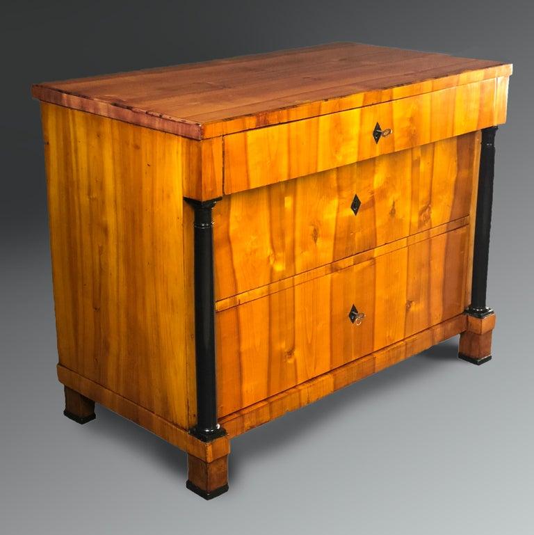 Veneer Early 19th Century Swedish Biedermeier Cherrywood Commode Chest of Drawers For Sale