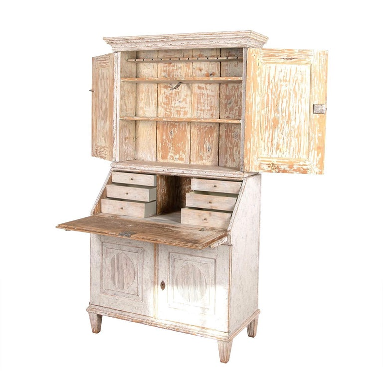 Gustavian Early 19th Century Swedish Bureau For Sale