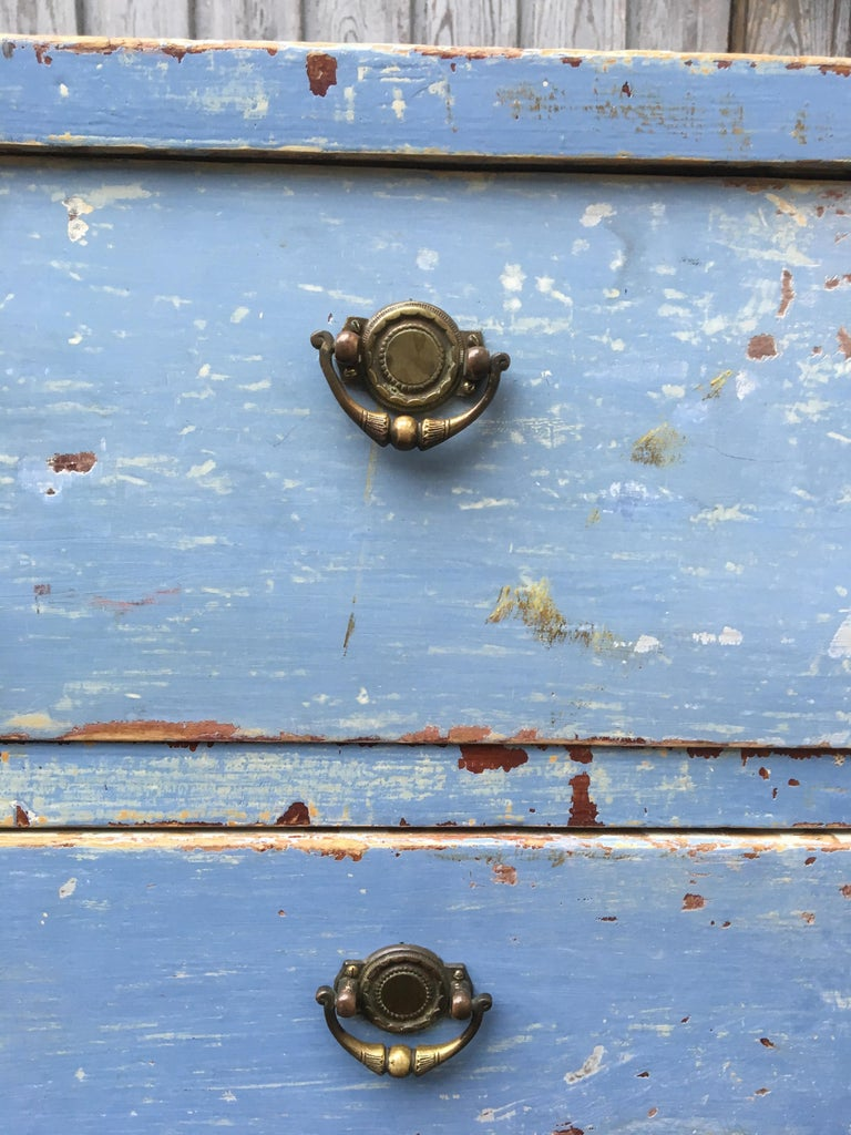 Early 19th Century Swedish Chest of Drawers with Original Blue Scraped Paint For Sale 4