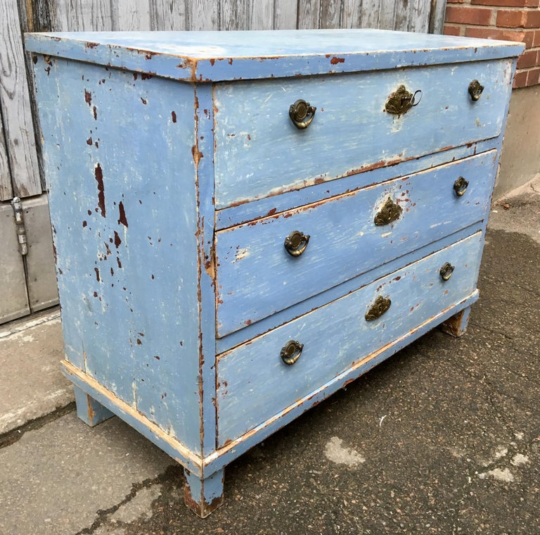 Early 19th Century Swedish Chest of Drawers with Original Blue Scraped Paint For Sale 6