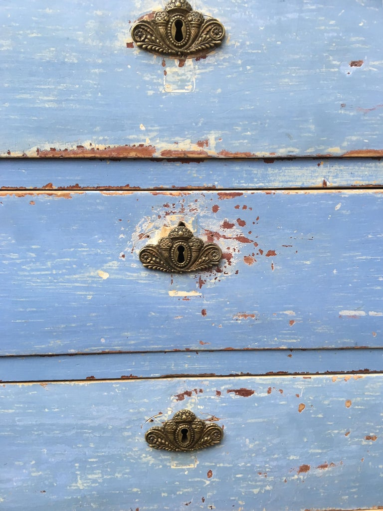 Early 19th Century Swedish Chest of Drawers with Original Blue Scraped Paint For Sale 9