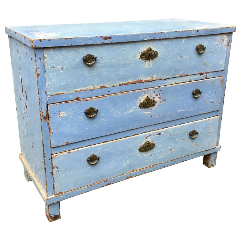 Gustavian Early 19th Century Swedish Chest of Drawers with Original Blue Scraped Paint For Sale