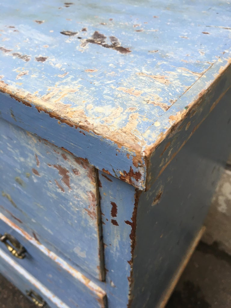 Early 19th Century Swedish Chest of Drawers with Original Blue Scraped Paint For Sale 1