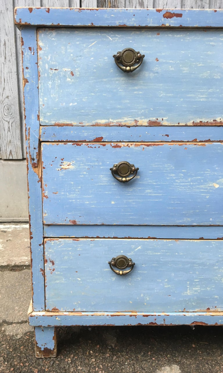 Early 19th Century Swedish Chest of Drawers with Original Blue Scraped Paint For Sale 2