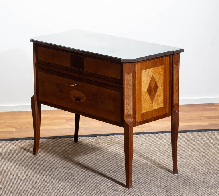 1900s, Swedish Walnut Birch Fruits Mahogany Commode Dresser  with Kolmarden Top For Sale 7