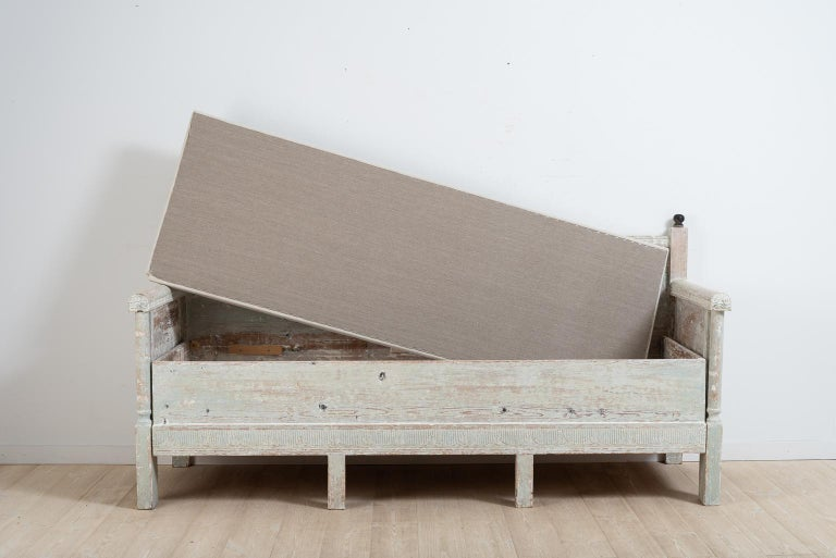 Early 19th Century Swedish Gustavian Provincial Sofa For Sale 10