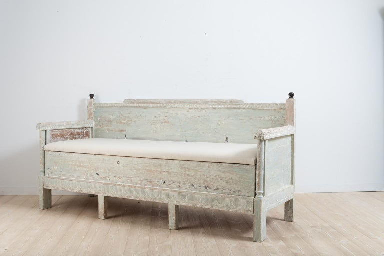 Early 19th Century Swedish Gustavian Provincial Sofa In Good Condition For Sale In Kramfors, SE
