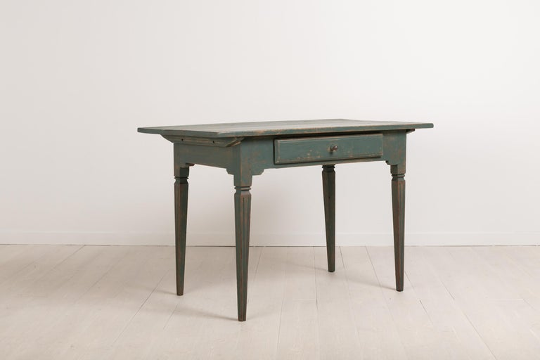 Early 19th Century Swedish Gustavian Side Table In Good Condition For Sale In Kramfors, SE