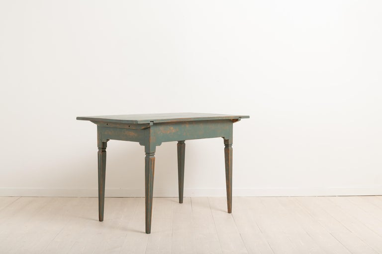 Early 19th Century Swedish Gustavian Side Table For Sale 2