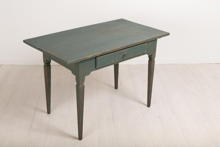 Early 19th Century Swedish Gustavian Side Table For Sale 4