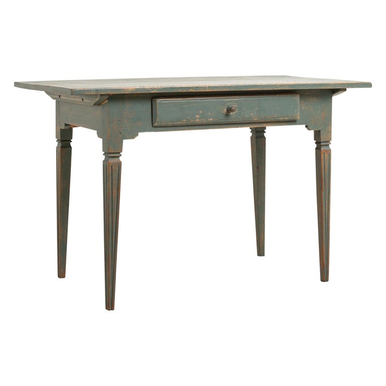 Early 19th Century Swedish Gustavian Side Table For Sale