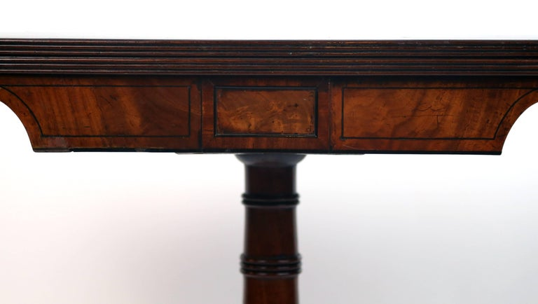 Early 19th Century William iv Card Table with Ebony Inlay and Turned Pedestal For Sale 1