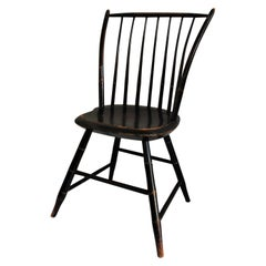 Early 19th Century Windsor Chair in Original Black Paint