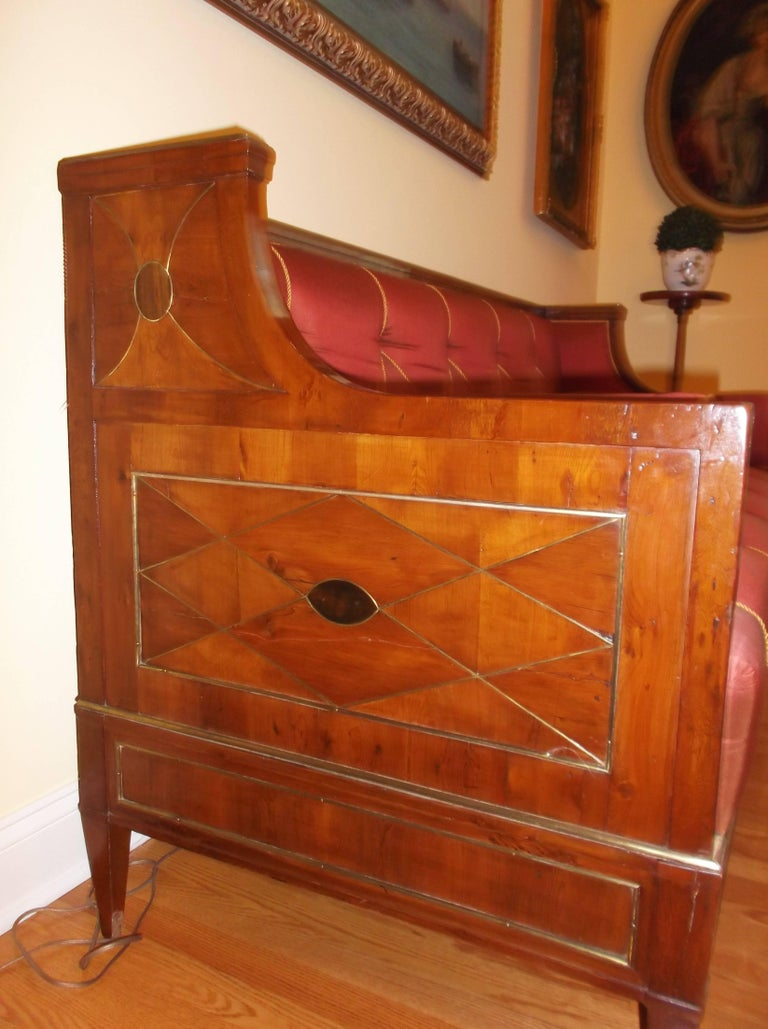 Early 19th Century Yew Wood Baltic Empire Sofa For Sale 1