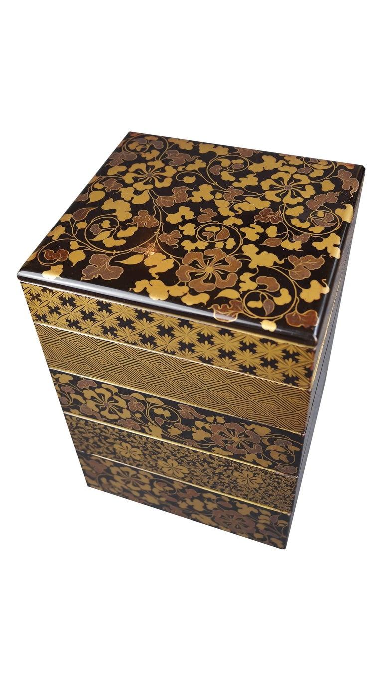 Edo Early 19th Century, Bento Box with Arabesque and Cherry Blossom Design, Japan For Sale