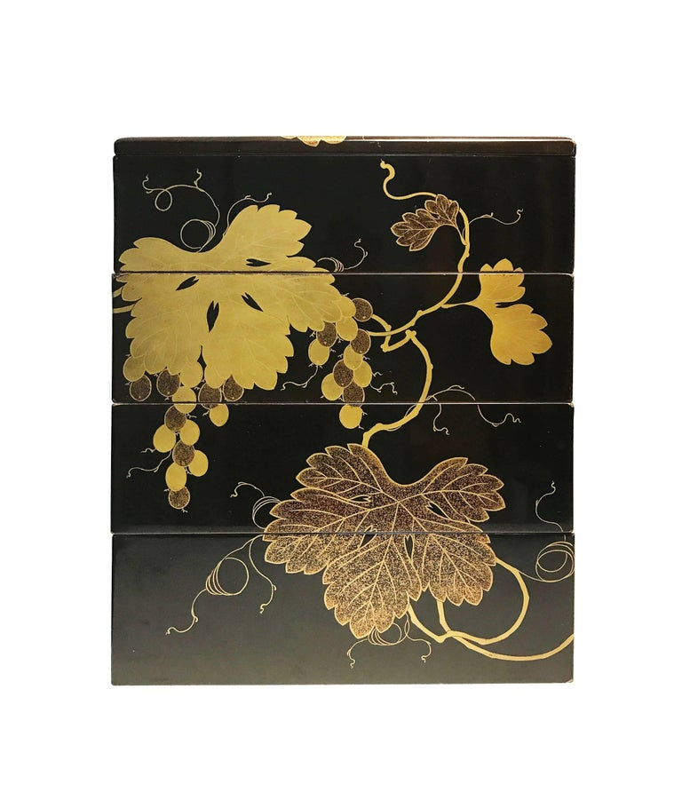 Lacquered Early 19th Century, Bento Box with Grapes Design, Edo Period, Art of Japan For Sale